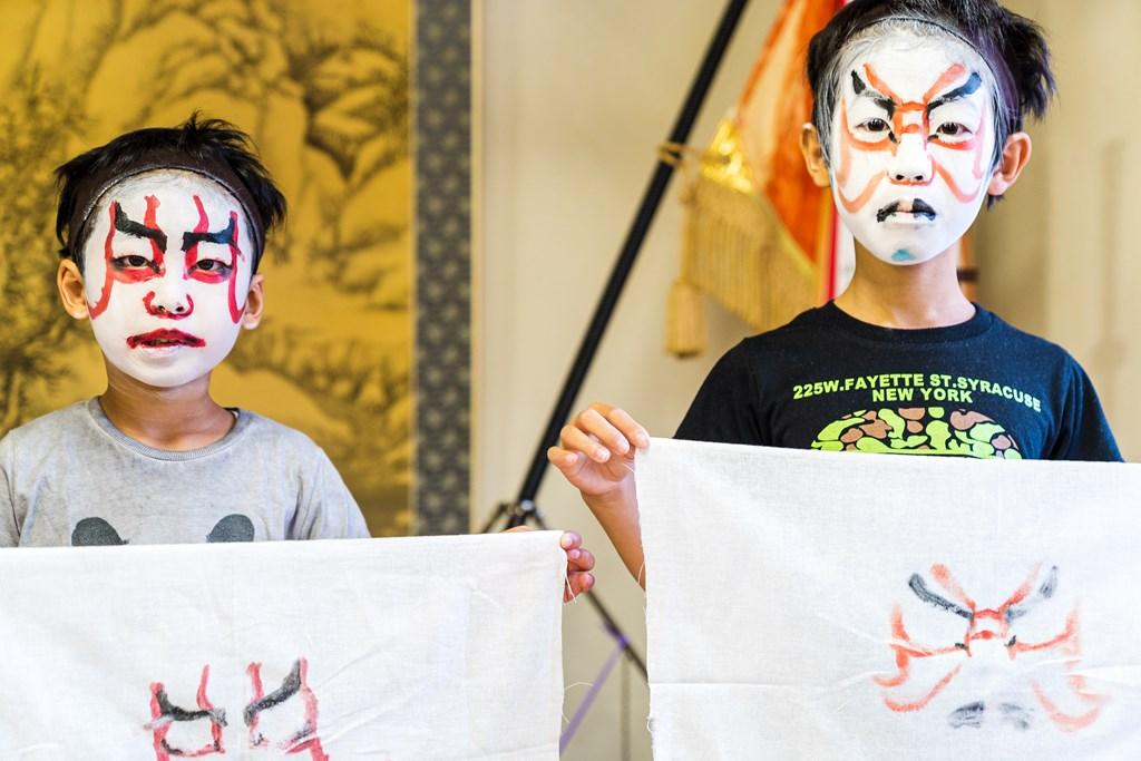 山五十川歌舞伎-隈取体験-押し隈
